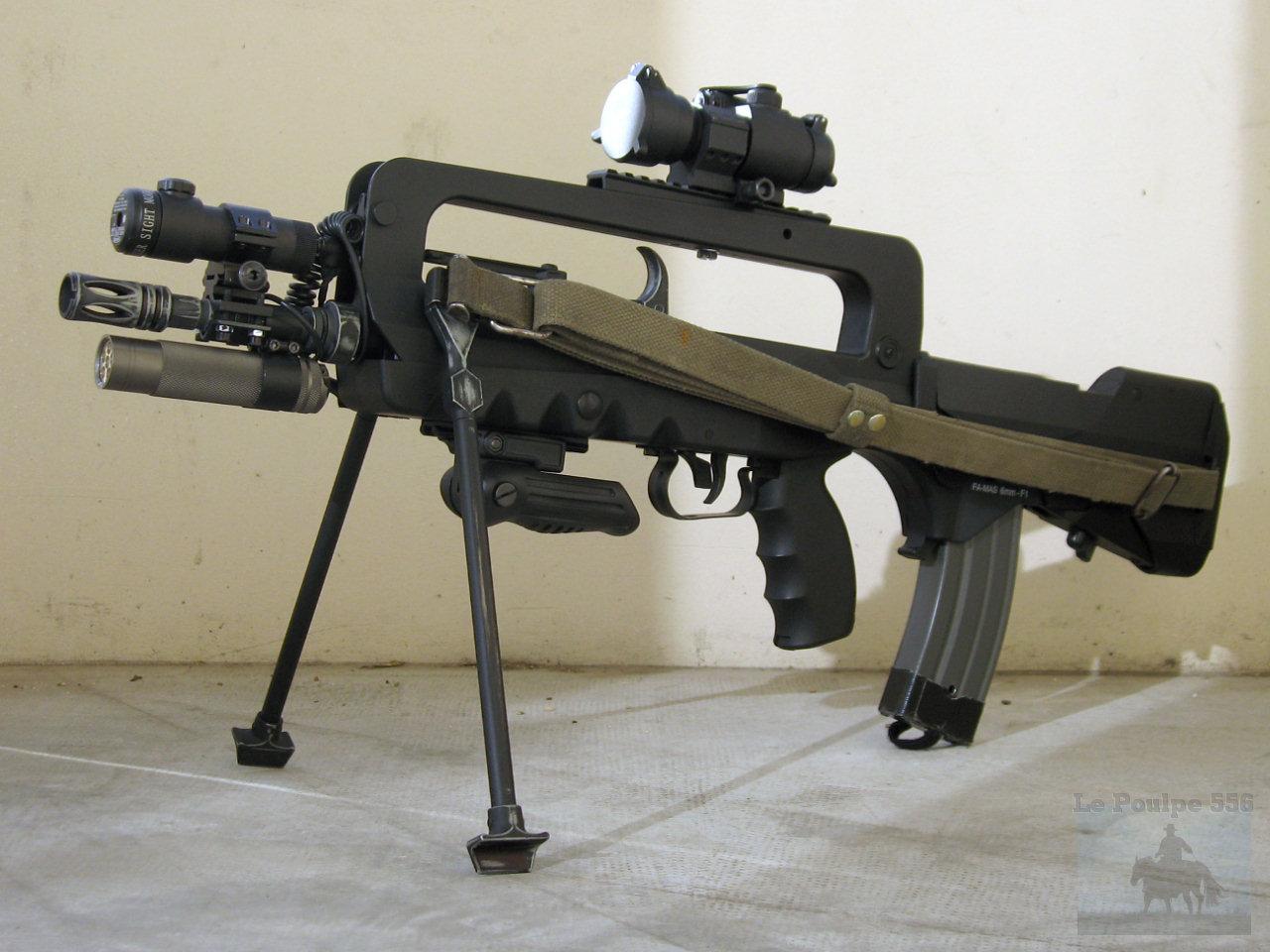 Liste des armes 2009-11-20_Famas01_Cybergun_By_LePoulpe556